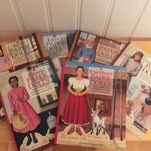American Girl fans! Set of 6 paper dolls